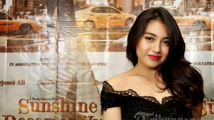 Nabilah JKT48 Posting Foto Berhijab, Dikira Netizen Mau Berangkat Pengajian
