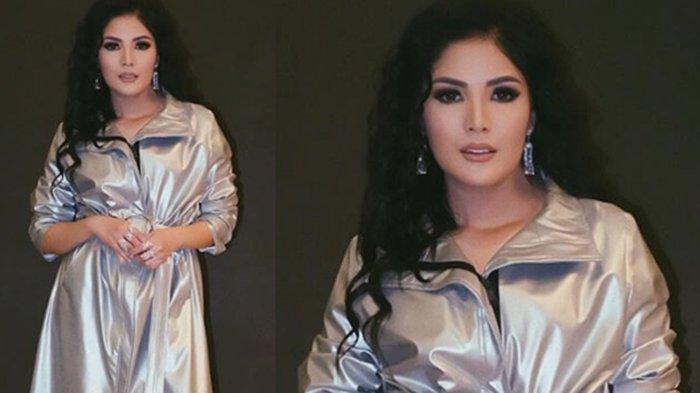Dress yang Dipakai Nindy Ayunda ini Dicibir Mirip Jas Hujan, Padahal Harganya Fantastis!