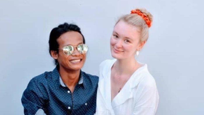 Beda 5 Tahun dengan Istri Bulenya, Nur Khamid Bahagia Jadi Ayah: Polly Alexandria Hamil 7 Bulan