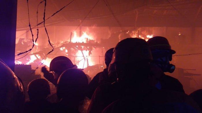 Pabrik Snack Astor di Permukiman Padat Jagalan Solo Terbakar, Warga Berhamburan saat Sudah Tertidur