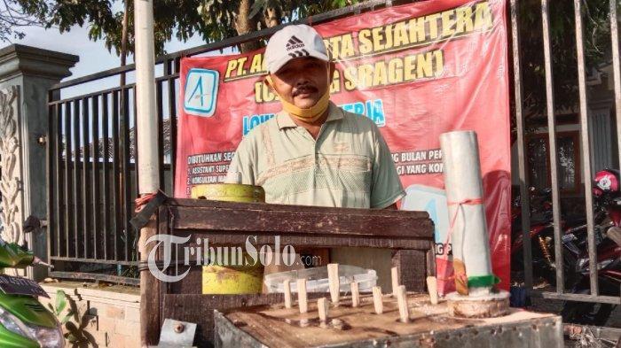 Cerita Pak Beo 29 Tahun Menjual Kue Putu di Sragen, Mulai Jual Pikulan Sampai Bisa Beli Mobil