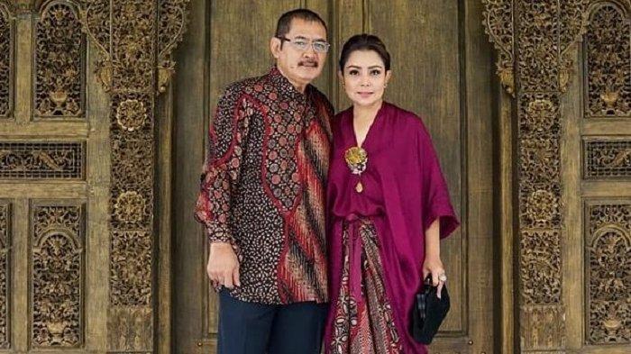Pasangan Bambang Trihatmodjo dan Mayangsari.