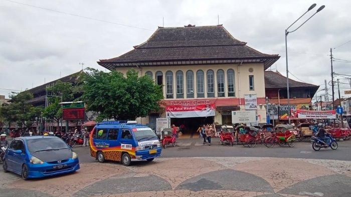 Pasar Gede di Jalan Urip Sumoharjo, Kelurahan Sudiroprajan, Kecamatan Jebres, Kota Solo, Senin (30/11/2020).