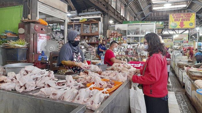 Meski Pasar Buka Saat Jateng di Rumah Saja, Pedagang Pasar Gede Solo Bingung : Yang Beli Siapa?