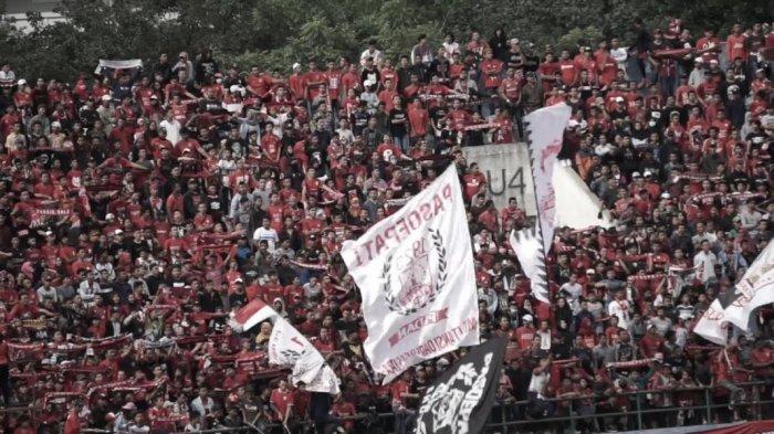 Suporter Persis Solo Pasoepati 'Saweran', Sumbang 45 Ribu Liter Air Bersih ke Sragen dan Sukoharjo