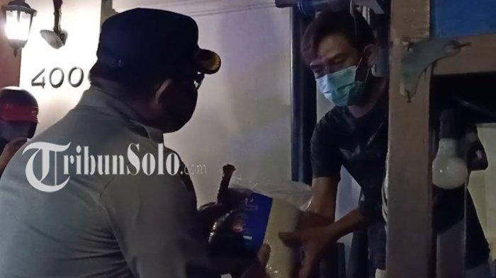 Curhat Sedih PKL di Solo Dihantam PPKM : Bakul Nasgor Biasanya Masak Nasi 6 Kg, Kini Hanya 2 Kg