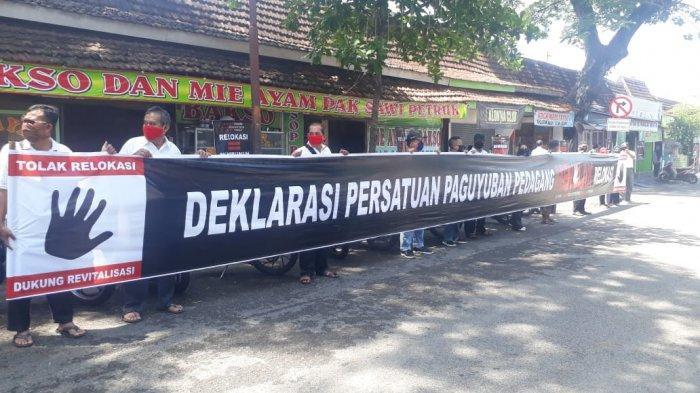 PPKM Hendak Diperpanjang, Pedagang Kaki Lima Solo Baru Minta Agar Lampu Jalanan Tak Dimatikan