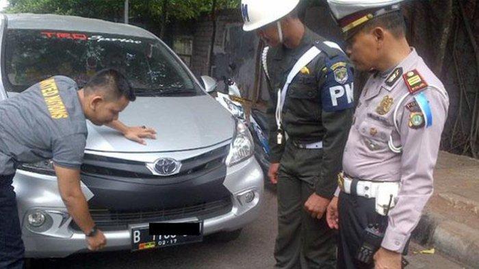 Tukang Plat Nomor Pinggir Jalan Bisa Terancam Pidana, Ini Penjelasan Polri