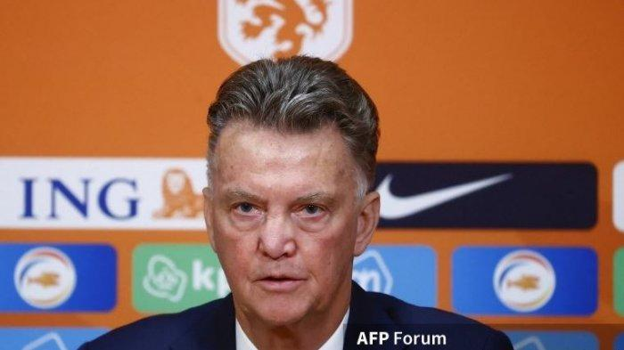 Posisi Ronald Koeman Digoyang, Louis van Gaal: Pelatih Asing Selalu Disalahkan saat Barcelona Jeblok