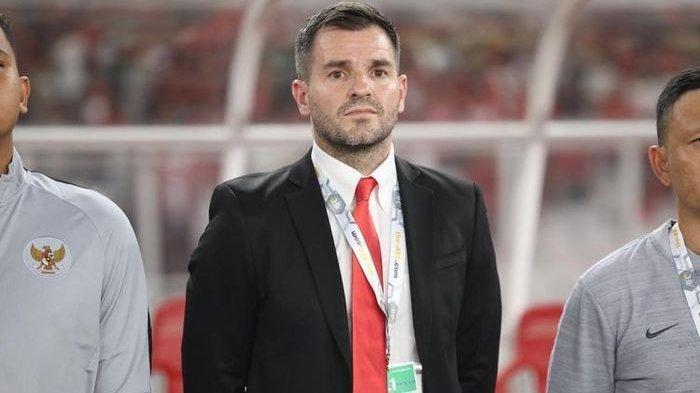 Simon McMenemy Dipertahankan sebagai Pelatih Timnas Indonesia, Ini Alasan Gusti Randa