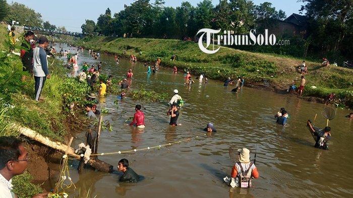 Kapolres Sukoharjo Pusing, Gropyokan Ikan Dadakan di Nguter Banyak yang Langgar Prokes