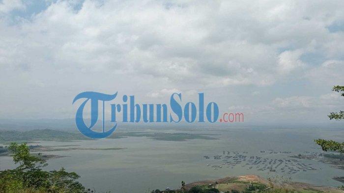 Pemandangan di Wisata Watu Cenik, di Desa Sendang, Kecamatan/kabupaten Wonogiri