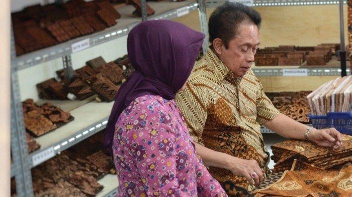 Biodata Sontosa Doellah : Sejak Muda Tekuni Batik hingga Bisa Ekspor, Sampai Diberi Gelar Empu Batik