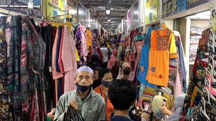 Penampakan Pasar Klewer Solo Membludak Jelang Lebaran, Banyak yang Abai Prokes, Mirip Tanah Abang?