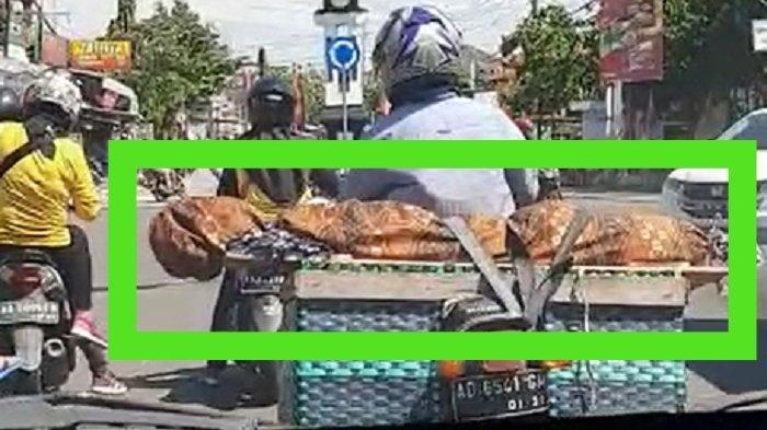 Viral Kisah Sutejo Bawa Jenazah Ibu Naik Motor di Siang Bolong, Benarkah karena Ditolak Warga?