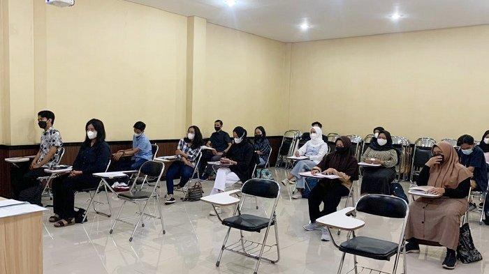 Setahun Hanya di Rumah karena Pandemi, Inilah Tingkah Mahasiswa UNS Bisa Belajar Lagi di Kampus