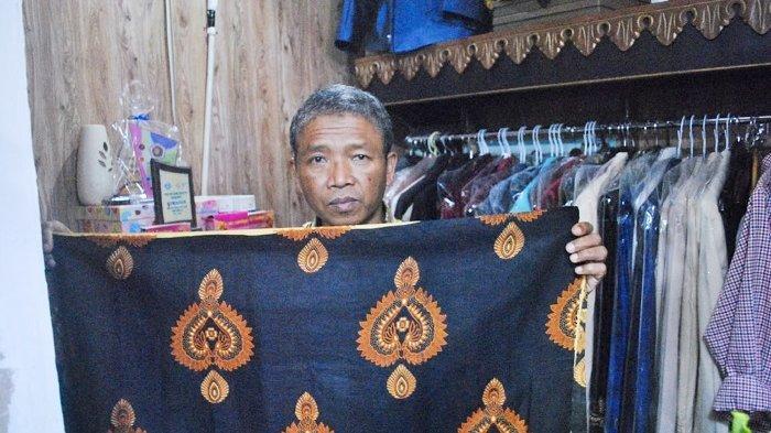 Penjahit Langganan Jokowi di Solo Kaget Lihat Jokowi Pakai Batik di Pelantikan: Lho Kok Pakai Batik?