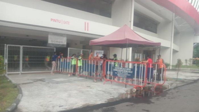 Tak Kebagian via Online, Penonton Ini Juga Tak Dapat Tiket di Stadion Manahan Solo, Begini Susahnya