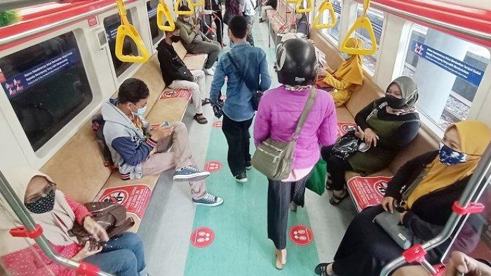 Hari Pertama Uji Coba KRL Bayar 1 Rupiah, Penumpang Begadang Malam Cari Tiket,karena Takut Kehabisan