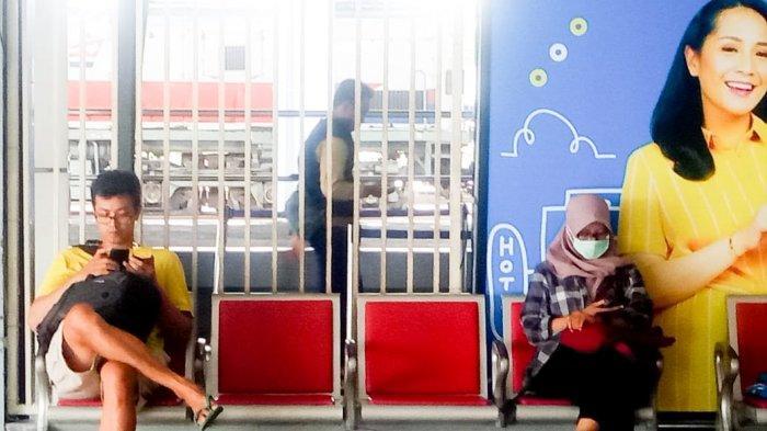 Wabah Virus Corona Merebak hingga Stasiun Disebut Berisiko Tinggi, Warga Tak Takut Naik Kereta Api