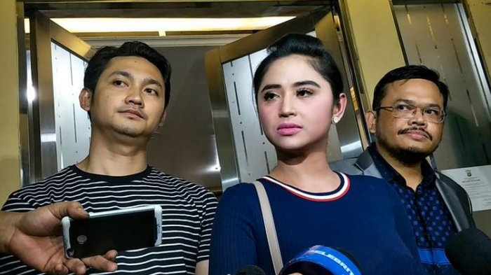 Dewi Perssik Diperiksa  2 Jam di Mapolda Metro Jaya, Ini yang Ditanyakan Polisi kepadanya