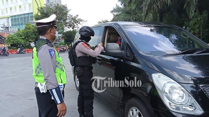 Ada 18 Mobil Luar Daerah Terjaring Penyekatan di Solo, Pemudik dari Sumatera dan Jawa Barat