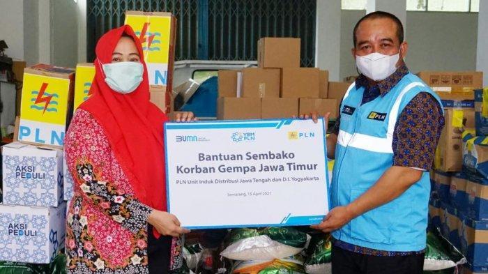 PLN Salurkan Bantuan Kemanusiaan Gempa Jatim Berupa Paket Sembako