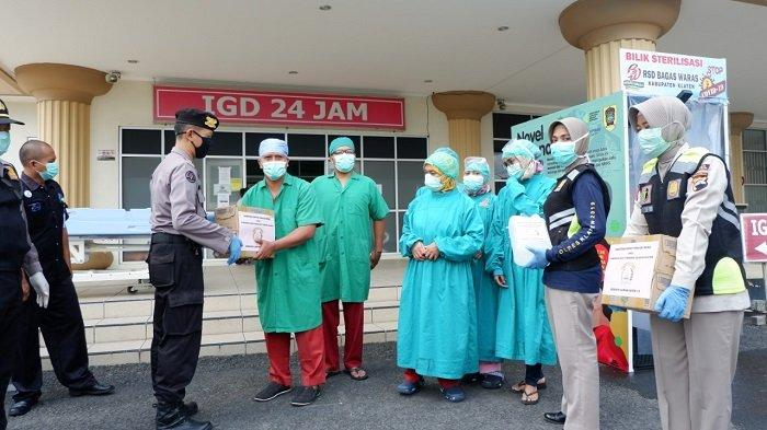 Dukung Perjuangan Tenaga Medis, Polisi & Bhayangkari Klaten Serahkan Bantuan di RS hingga Puskesmas