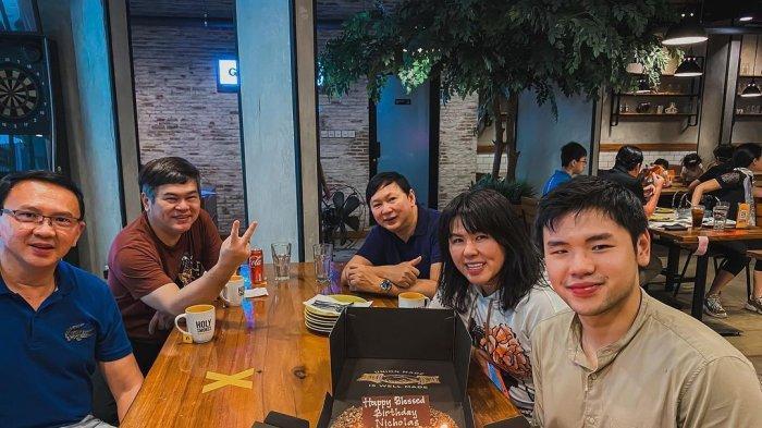 Punya Bisnis Sendiri, Nicholas Sean Putra Sulung Ahok Rayakan Ultah ke-23 Bersama Keluarga Sang Ayah