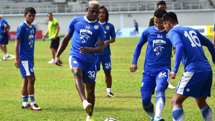 LIVE STREAMING Mitra Kukar Vs Persib Bandung, Kick off pukul 15.30 WIB, Tonton di Sini