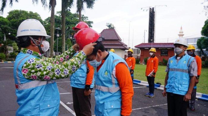 Solidaritas PLN Jawa Tengah dan DIY Kirimkan Personil Untuk Pulihkan Listrik di NTT