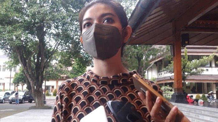 Momen Selvi Ananda Hadir di Acara Duta Generasi Berencana Solo, Terlihat Anggun Pakai Batik