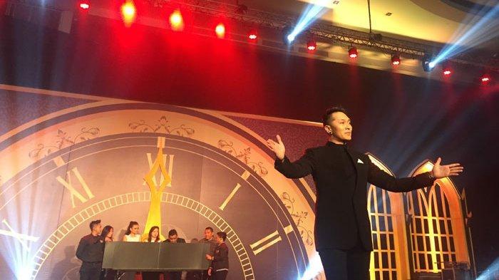 Tanpa Aksi Berbahaya, Sulap 'Intim' Demian Hibur New Year Eve Parade Best Western Premier Solo Baru