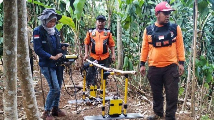 Bencana Tanah Bergerak Terjang Sukabumi dan Mengancam 181 Jiwa, Sejumlah Warga Mulai Mengungsi