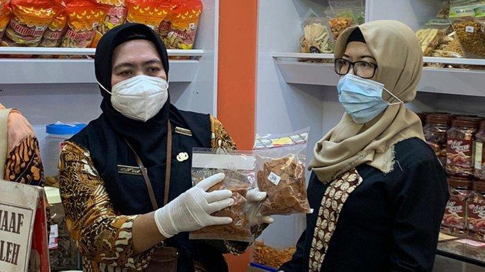 Di Solo, Masih Ditemukan Makanan Kadaluarsa dan Tak Berizin di Pusat Perbelanjaan: Bakal Dimusnahkan