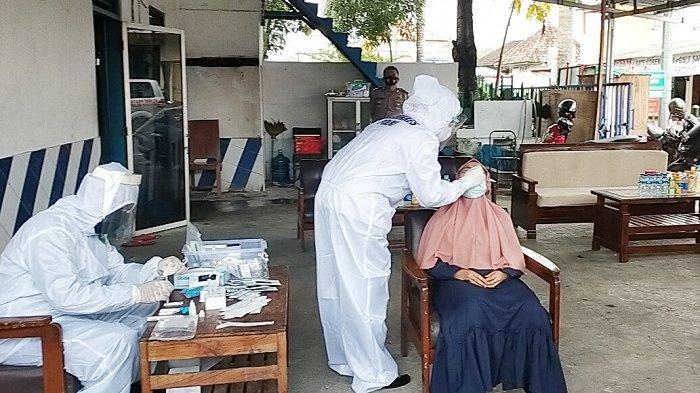 Puluhan Orang di-Swab, Imbas Jemaah Masjid di Gayam Positif Corona, Sementara Tak Boleh Keluar Rumah