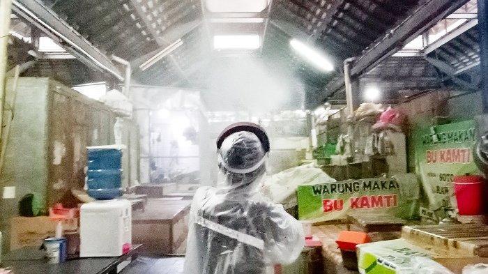 11 Pedagang Kena Covid-19, Pasar Gede Solo Disemprot Disinfektan, Es Dawet Langganan Jokowi Tutup