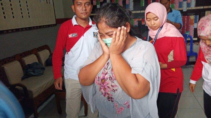 BREAKING NEWS : Istri Tahanan Selundupkan Sabu-sabu ke Rutan Solo yang Disembunyikan di Sendal Jepit