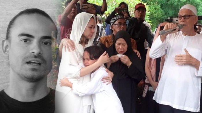 Ayah Ashraf, Mohamed Anthony Sinclair memberikan pesan duka cita di pemakaman Ashraf Sinclair, di Diego Hills, Selasa (18/2/2020).