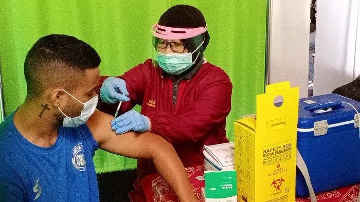 Vaksinasi Bulan Ramadhan Diperbolehkan, Kemenkes Akan Kebut Hingga 30 Juta Dosis