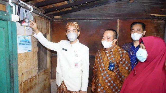 Lewat Program Ramadan Berbagi, PLN dan Pemkot Solo Berikan Bantuan Listrik Gratis Kepada Masyarakat