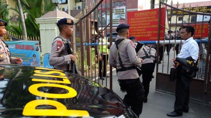 Terduga Pelaku Bom Bunuh Diri di Polrestabes Medan Sempat Dicegah Masuk oleh Petugas
