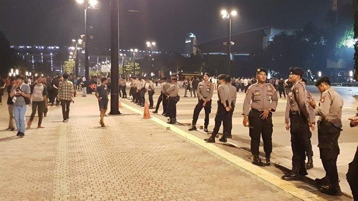 Terjadi Ledakan di Parkir Timur Senayan saat Debat Pilpres, Satu Mobil Rusak, Kaca Belakang Pecah