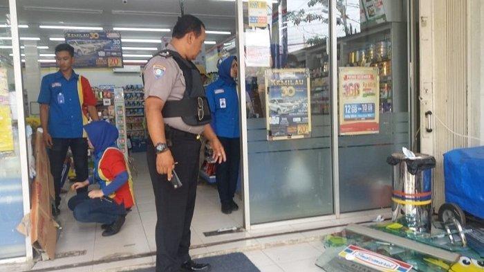 Tak Terima Ditegur, Puluhan Jakmania Rusak Minimarket di Depok dan Aniaya Karyawan Serta Juru Parkir