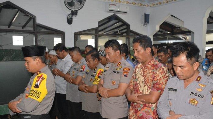 Ratusan Personel Polresta Solo Gelar Salat Ghaib untuk Korban Bencana Palu dan Donggala