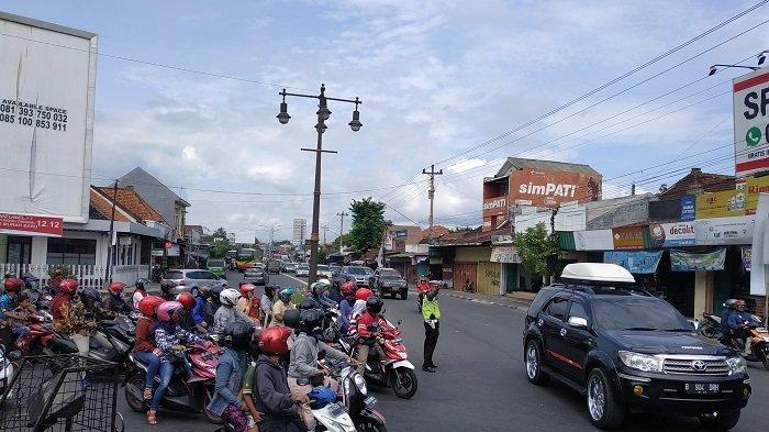 Kemacetan Menumpuk di Tugu Kartasura, Satlantas Polres Sukoharjo Minta Lampu Merah ke Kemenhub
