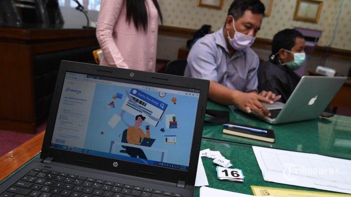 Jadi Korban PHK, 1,7 Juta Buruh di Indonesia akan Terima Kartu Prakerja