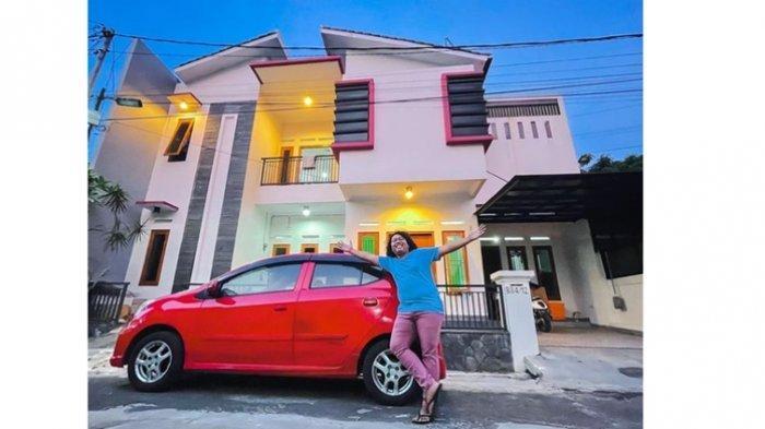 Dulu Cuma Penonton Bayaran, Kini Sukses Beli Rumah Tingkat dan Mobil Setelah 5 Tahun Jadi Artis