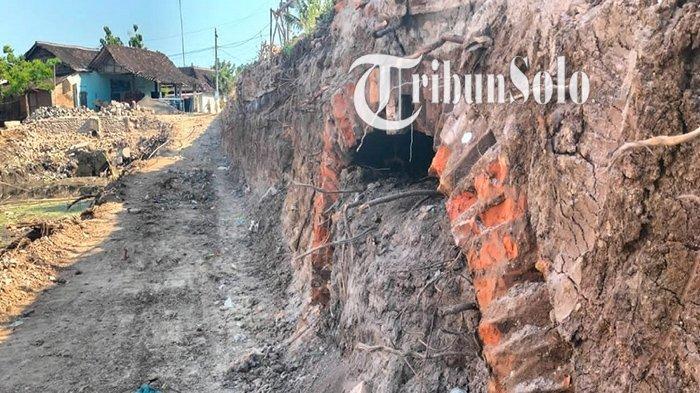 Potret saluran air kuno yang tak sengaja ditemukan di Desa Sabranglor, Kecamatan Trucuk, Kabupaten Klaten, Rabu (1/9/2021).