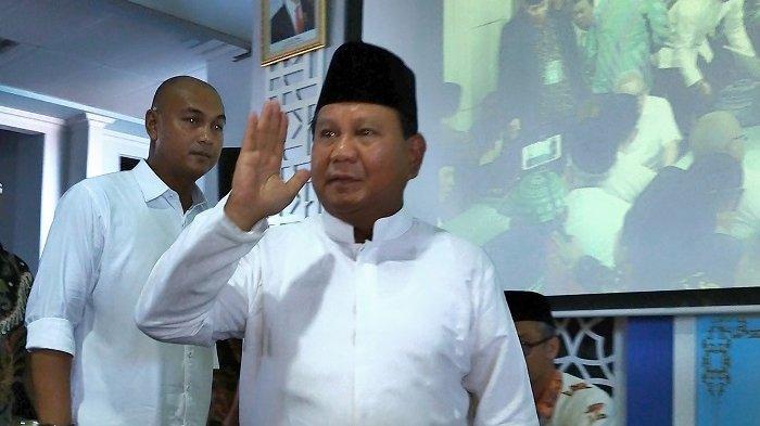 Prabowo Silaturahmi ke Keluarga Cendana seusai Salat Id